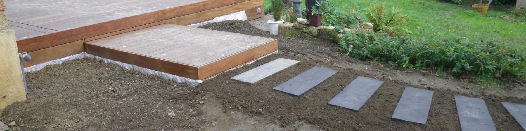Aménagement jardin terrasse bois IP avec jacuzzi à SAINT-ROMAIN-AU ...
